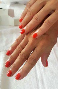 Semi-permanent orangé-rouge OPI
